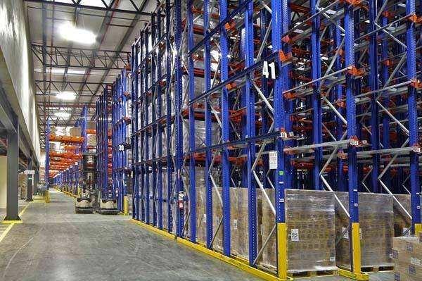 穿梭车式货架在仓储上的应用