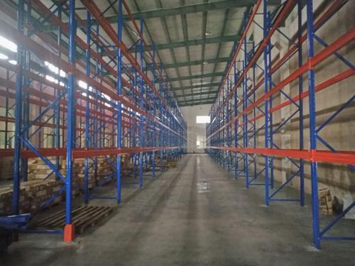 如何利用重型货架的存储空间