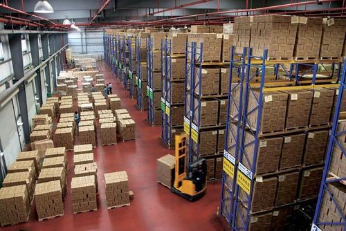 仓储货架都是我们工业仓库领域使用非常广泛的货架种类