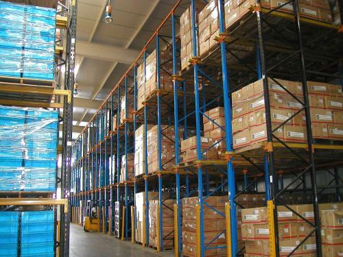 驶入式货架适合用来存放什么类型的货物